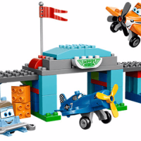 Disney Planes' Skipper's Flight School LEGO Set