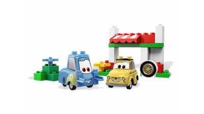Disney Cars Luigi's Italian Place LEGO Set