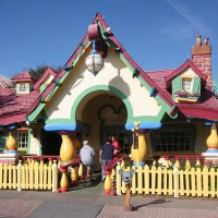 Mickey Mouse's House    Extinct Disney World Attractions
