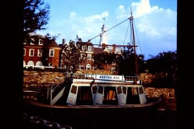 Mike Fink Keel Boats– Extinct Disney World Ride