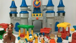 Disney Magic Kingdom Li'l Playmates Play Set - 1987