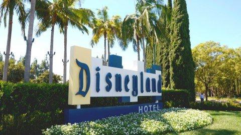 Why We Love the Disneyland Hotel