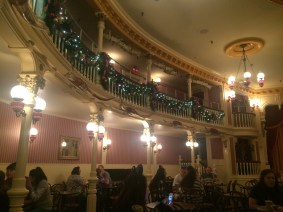 inside-golden-horseshoe