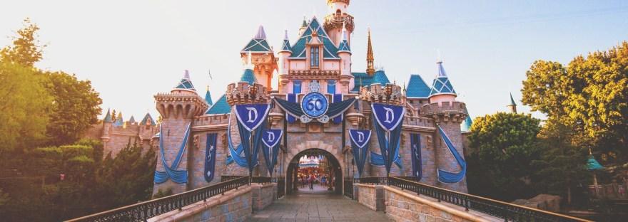 Free Stuff At Disneyland Theme Parks Disney Tips And Trips