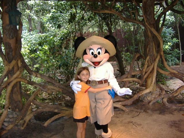Minnie Mouse Camp Minnie And Mickey Animal Kingdom