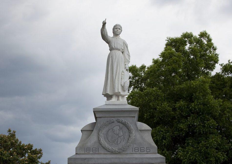 Confederate Statue Removers Are Contemptible Hypocrites by Leaving Senator Byrd Alone