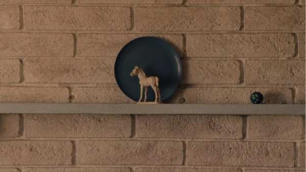 blue plate and white horse ornament twin peaks