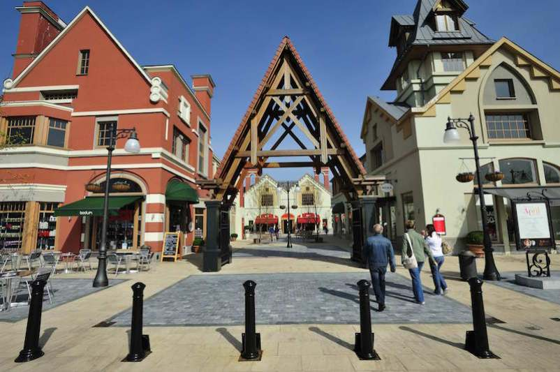 a2f2123bd71 The services of the outlet city is nice. Prices are depend on