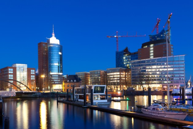 Late eventing scene in the Harbour of Hamburg - Germany - Taken with Canon 5Dmk3