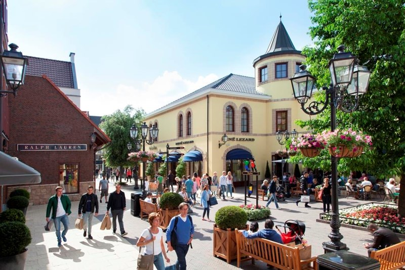 Shopping at Designer Outlet Roermond