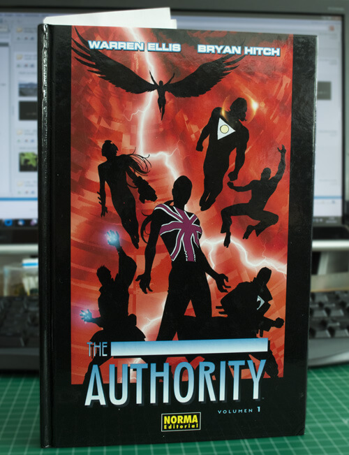 Cómic: The Authority Vol. 1 y Vol. 2