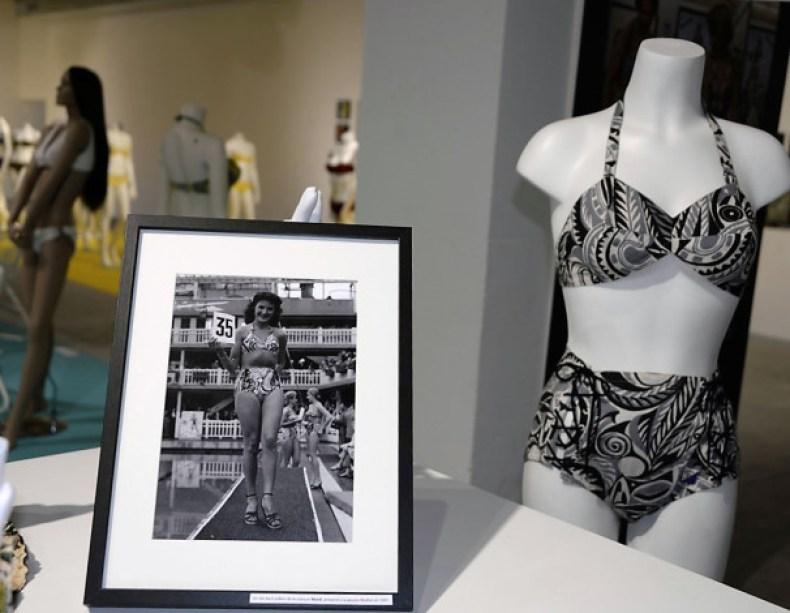 Exposition 70 ans Nuits de Satin maillot de bain Réard of California