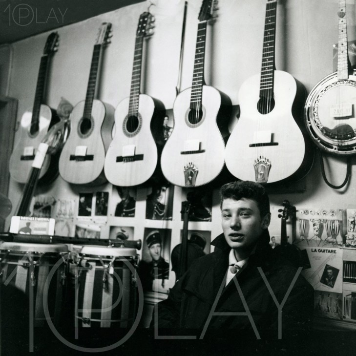 1959 Johnny Hallyday-Display-productions.com--Magasin-Guitares