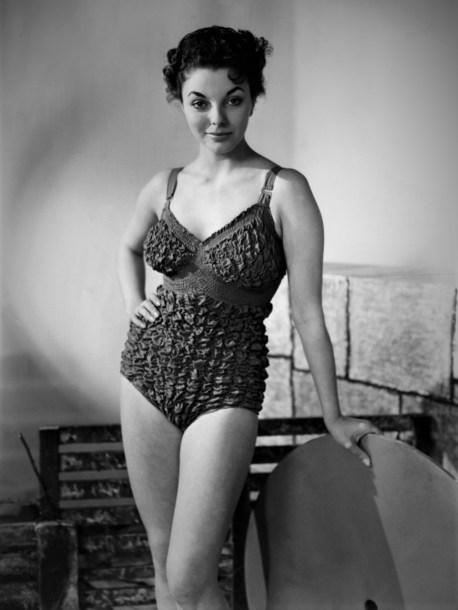 1951-joan-collins-1951-a-18-ans-2