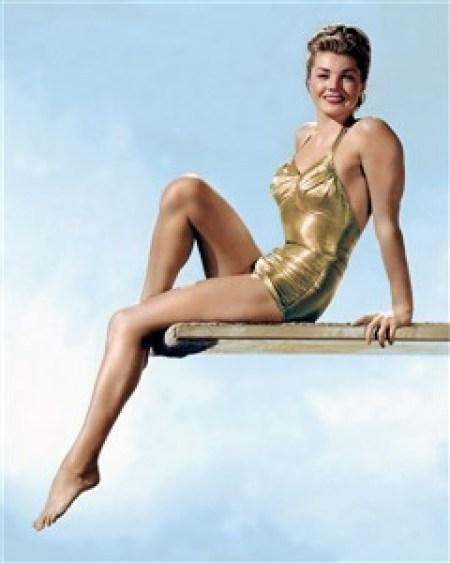 pin-up-esther-williams-maillot-de-bain-swimsuit-1950s-240-x-300