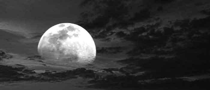 luna_nubes