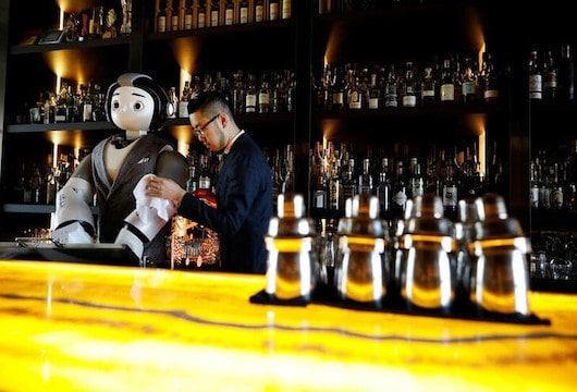 Robo-bartenders are shaking up South Korea's cafe and bar culture