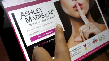 Hackers of Ashley Madison site carry out threats to release data