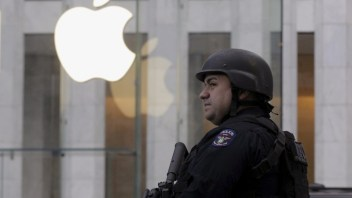 Apple grappling with with internal privacy conflicts