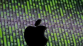 Apple bows to China's cyber regulators, withdraws VPN services