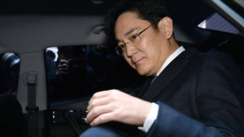 Samsung chief Lee is finally arrested in graft scandal