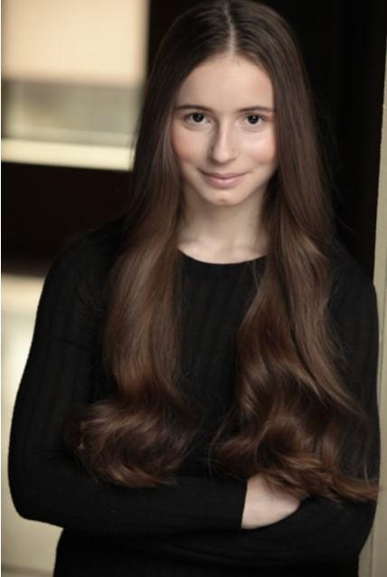 Alyssa Oster headshot