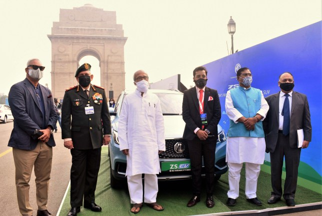 Govt. of India Officials, Minister, Dignitaries astatine  NHEV programme  astatine  India Gate