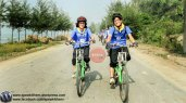 Aneela Shaheen and Laila Kiran (The First Female Cyclists of Gilgit Baltistan) on their ride in Bangladesh.)