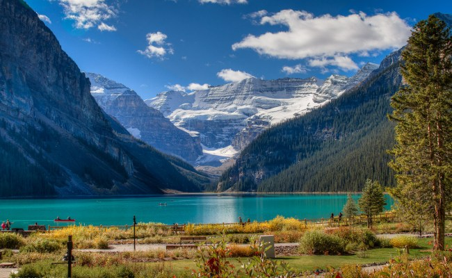 Holiday Road The Beauty Of Lake Louise Banff Canada