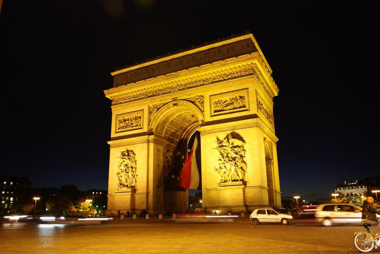Travelling soloing Paris