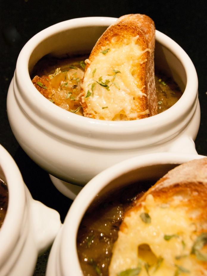 Distant Francophile's French Onion Soup