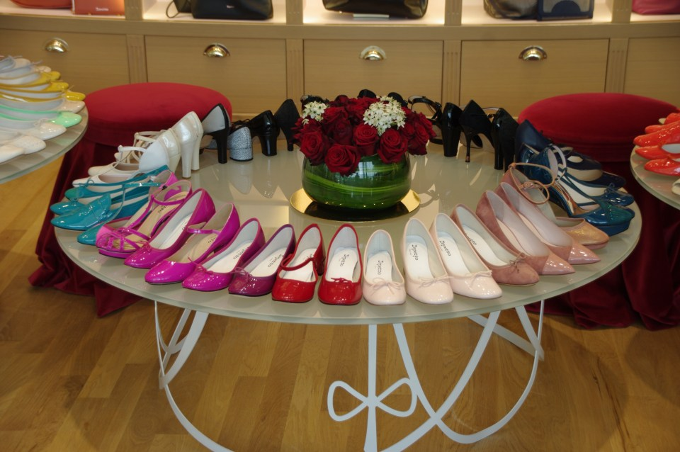 It's all about the shoes. Wear your ballet flats and bring a little French style to your day