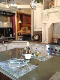 Kitchen cabinet showroom: view transitional, traditional