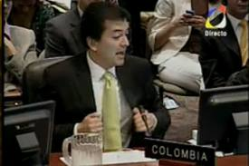 """""""Presidente, ¿Santos no es del camino de Uribe?"""" Reflexión desde Venezuela"""