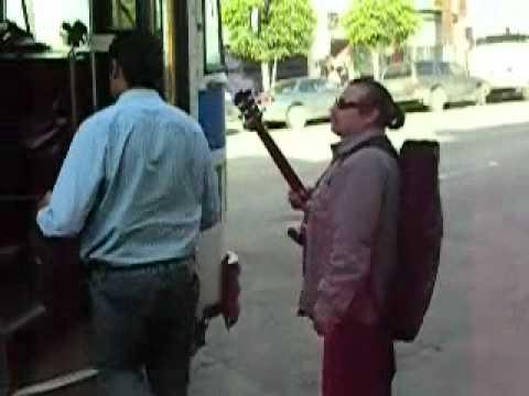 Taxi, burra o calafia… no hay más (Videocrónica sobre movilidad en Tijuana)