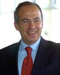 ¿Felipe Calderón ante la Corte Internacional?