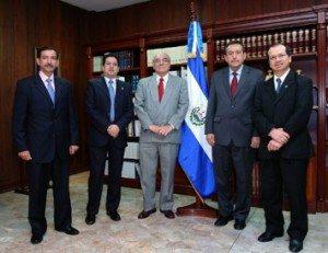 La incomodidad de los tribunales independientes. Sala de lo Constitucional de El Salvador.
