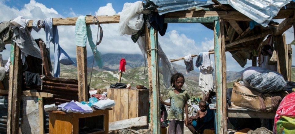 Haití: a 1 mes de Matthew la violencia ahuyenta la ayuda y 27 candidatos buscan la presidencia