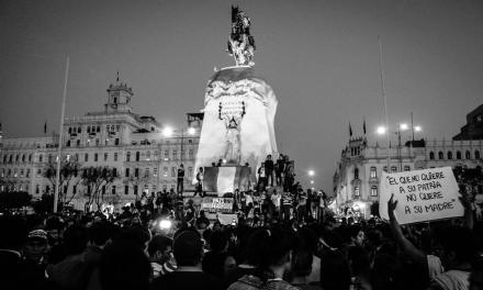 Perú: Fujimorismo impulsa destitución de ministro de educación, miles salen a protestar