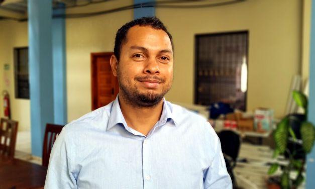 Gustavo Campos, el superhéroe de la literatura hondureña