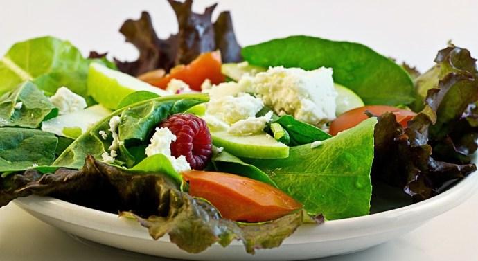 Recetas de ensaladas para hidratarnos mejor este verano