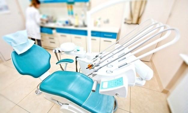 Enfermedades que inciden sobre un tratamiento de implantes dentales