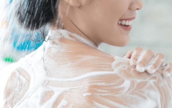 ¿Afecta la limpieza de los grifos de ducha a la salud de nuestra piel?