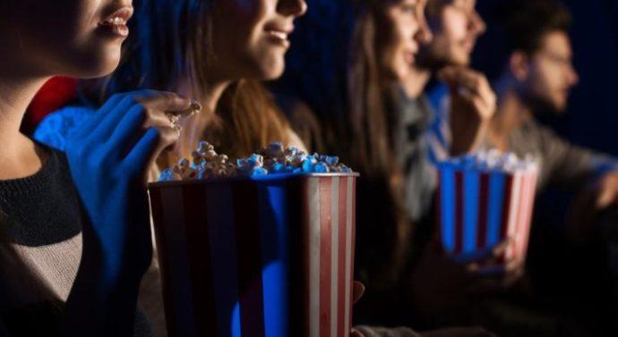 Multado por primera vez un cine por prohibir el acceso con comida