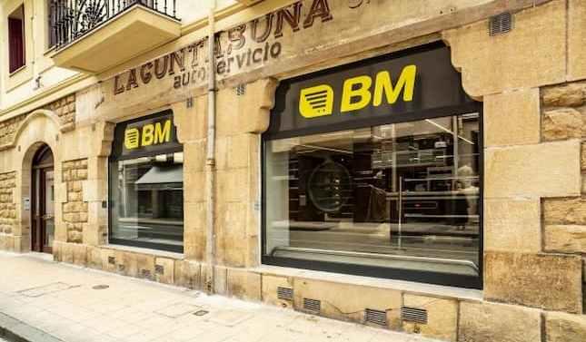 BM Supermercados transforma su histórico establecimiento en Zarautz