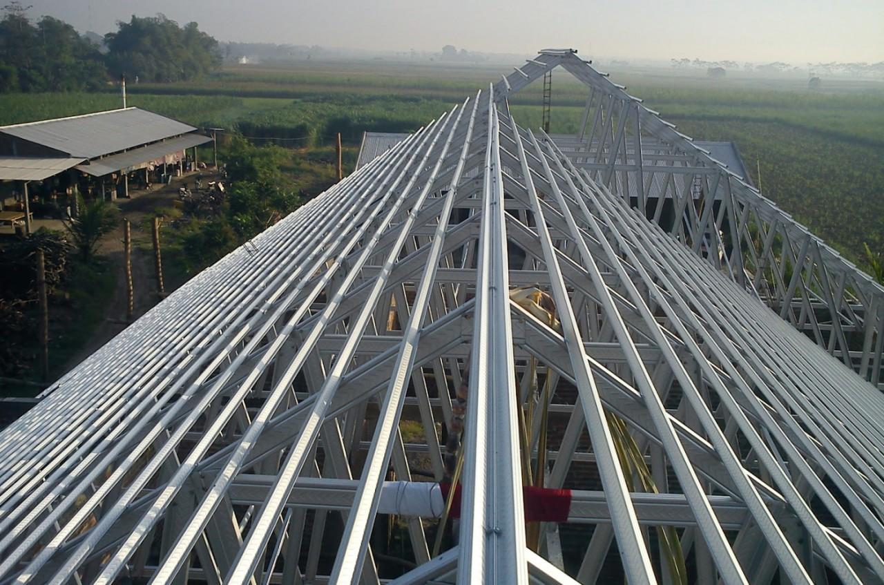 atap baja ringan di pekanbaru rangka distributor