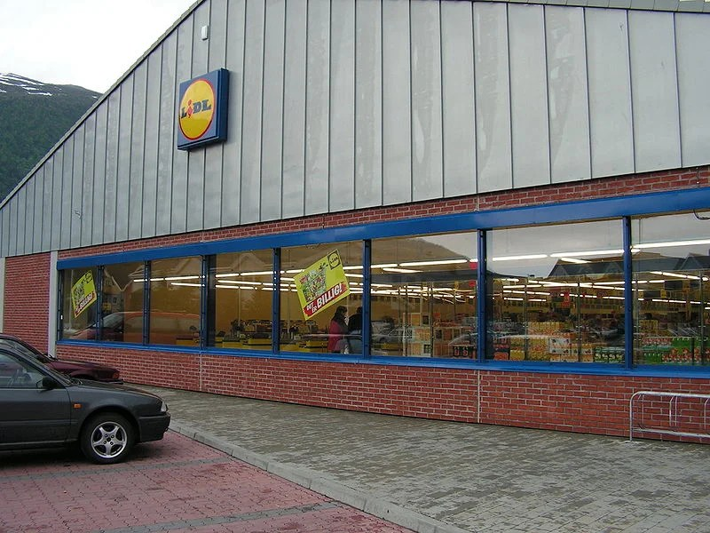 Lidl came to Norway in 2004, lost in 2008 - Lidl shop in Nordfjord, lidl is no more in Norway