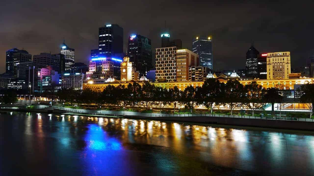 cheap tickets to Sydney from Melbourne with light rail tram connection