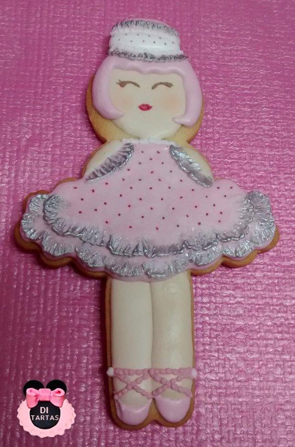galleta con glasa muñeca bailarina