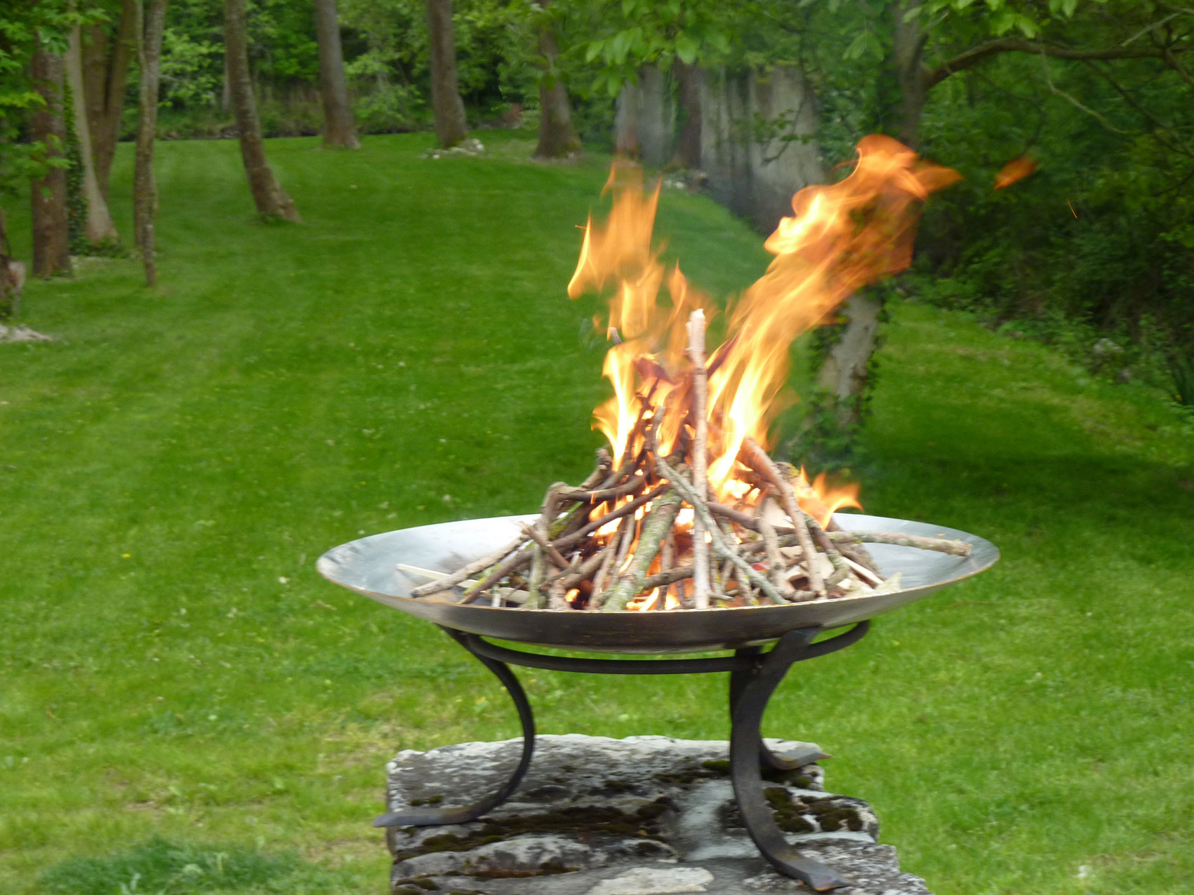 Fire Bowl Coupe Feu Lounge Brasero Dit Gai De Grez